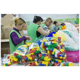 Работа в Польше для семейных пар на упаковке игрушек