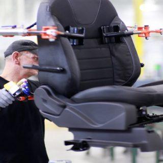 Работа в Польшедля мужчин и женщин на изготовление кресел для автомобилей и других частей