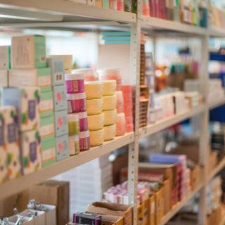 Работа в Польшу для женщины и мужчин на складе косметики