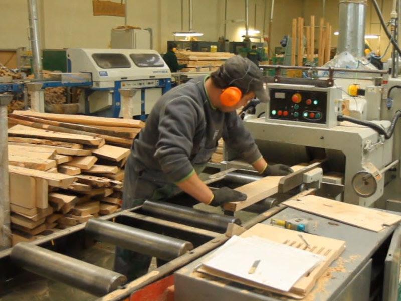 Работа в Польше на производстве карнизов