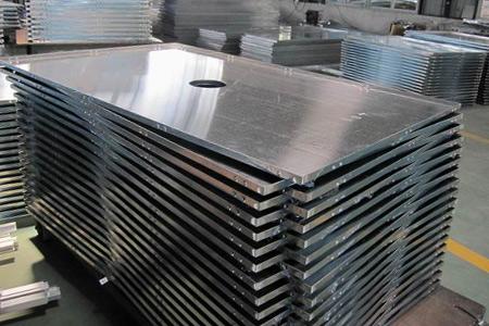 Работав Польше для на шлифовке алюминиевых элементов