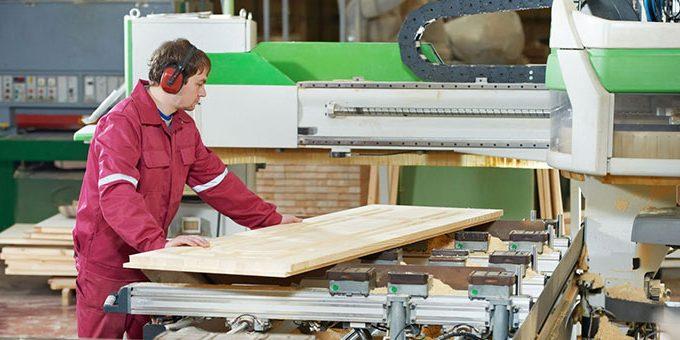 Работав Польше на деревообработке