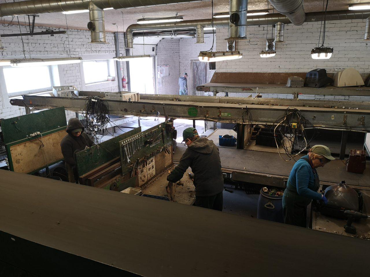 Работа в Литве на разборе техники